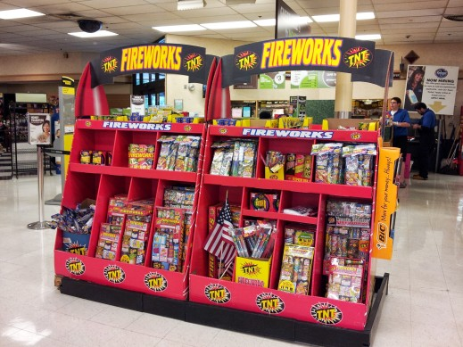 the first and biggest glaring difference that struck me at my arrival to Michigan: legal sale of fireworks.